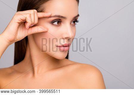 Closeup Profile Photo Of Beautiful Lady Nude Naked Shoulders Plump Shape Lips Tempting Appearance Fi