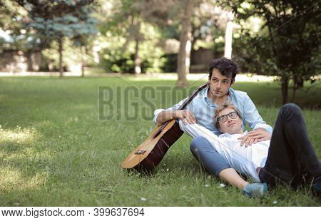 homosexual couple in the park