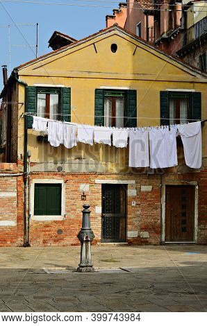 A Typical Architecture On The Little Venetian Square Campiello Mosca At Morning Time, Venice, Italy