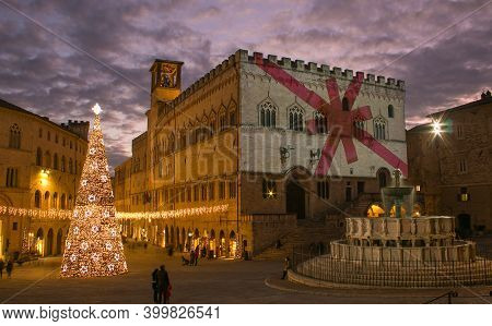 Perugia, Italy - December 16, 2020: Perugia, Italy. Piazza Iv Novembre At Sunset With Old Town Hall