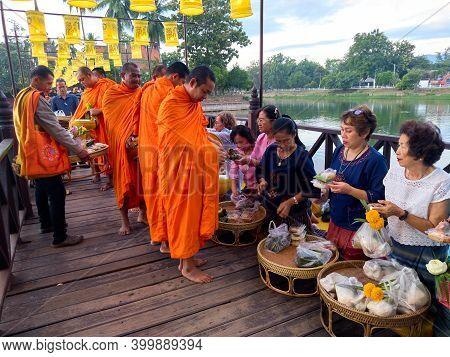 Wat Traphang Thong, Sukhothai Thailand-27 November 2020:activities To Make Merit For Sukhothai In  I