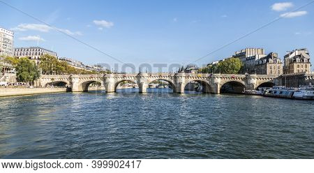 Paris, France - 09-12-2018:  The Pont Neuf Over The Seine