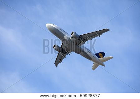 Tallinn - June 05: Lufthansa Airbus A319-100 Airliner Takes Off From Tln Airport
