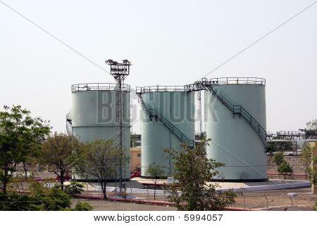 Tanques de armazenamento de gasolina