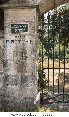 Sightseeing In Corfu City: Interesting Place - Ancient Old British Cemetery Of The War.