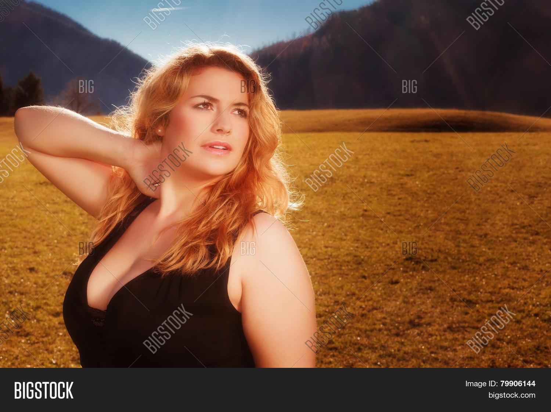 Excellent idea Big beautiful cleavage brilliant