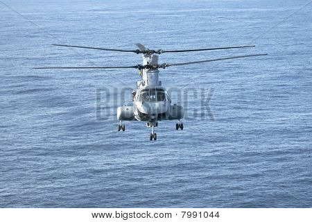 Ch-46E Marine Corps Helicopter