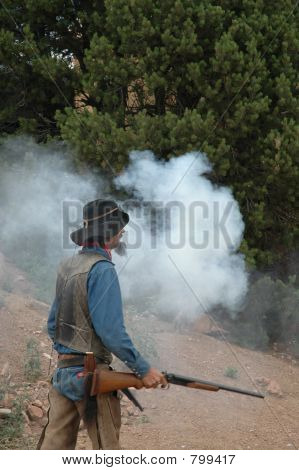 High noon gunslinger