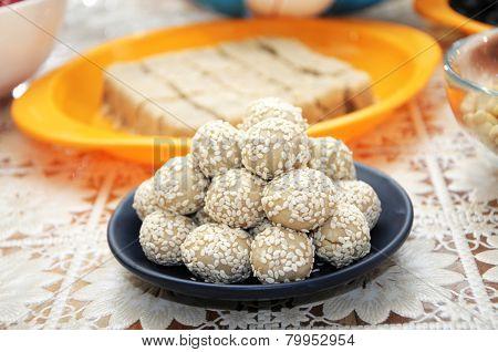 Sesame Balls
