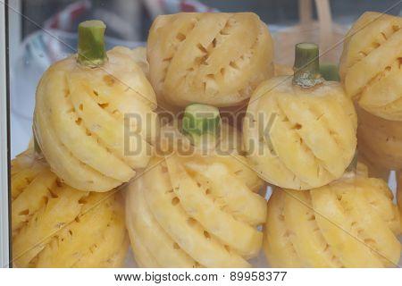 raw pineapple