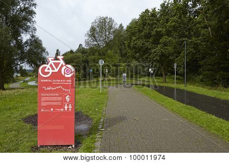 Bochum (germany) - Ruhr Valley Bicycle Trail At The Reservoir Kemnade