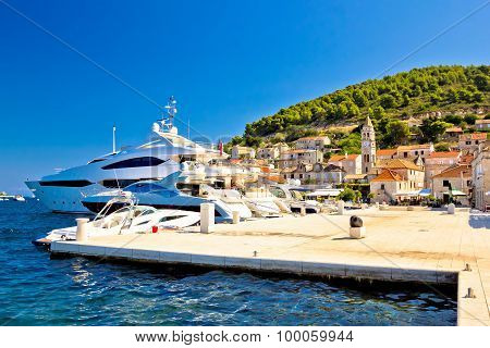 Island Of Vis Yachting Waterfront View