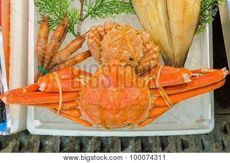 Japanese Hairy Crabs In The Market (taraba)