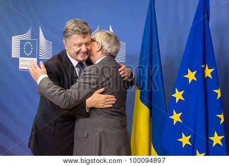 Jean-claude Juncker And Petro Poroshenko