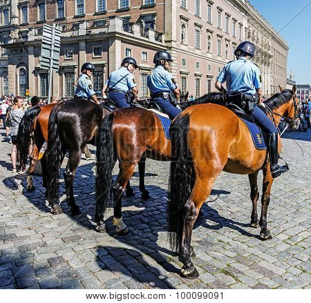 Female Mounted Patrol