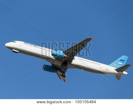 Airbus A321-231 Passenger Kolavia