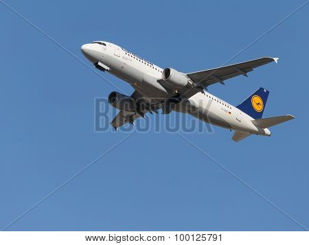 Beautiful Airbus A320-214