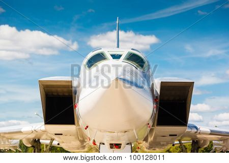 nose jet military plane,