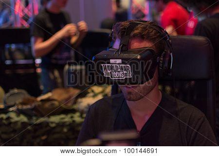 Guy Tries Oculus Headset