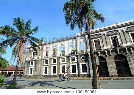 Colonial Building In Intramuros