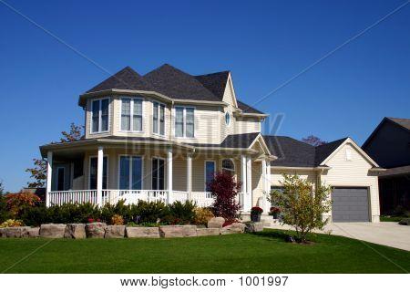 House Nice White