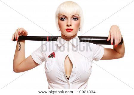 Chica con bate de béisbol