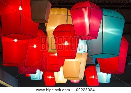 Lamp light on the ceiling