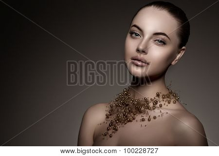 High-fashion Model Girl Beauty Woman high fashion Vogue Style Portrait beautiful fashionable Luxury lady precious jewelry of pearls around neck necklace  Stylish Makeup Make up Perfect skin eyes lips