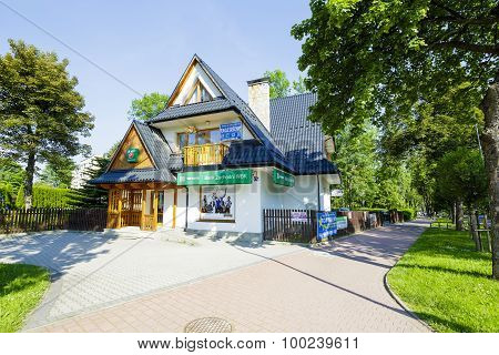 Guest-house And Bank Services In Zakopane
