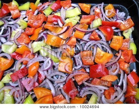 Alad Of Sweet Peppers And Onions