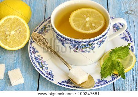 Black Tea With Lemon And Mint.