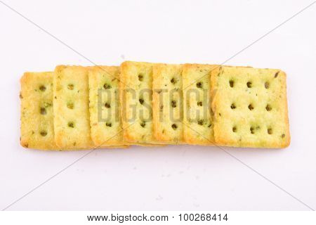 Crispy mint crackers in square shape o