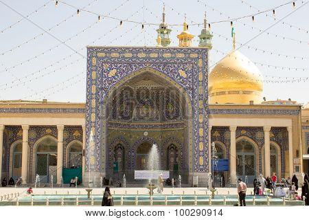 The shrine of Fatima Almasomh