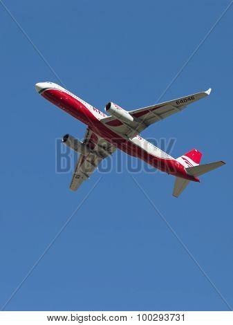 Tu-204-100B / E Red Wings