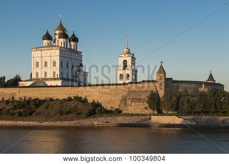 Pskov Kremlin. Holy Trinity Cathedral.