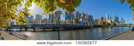 Melbourne autumn panorama