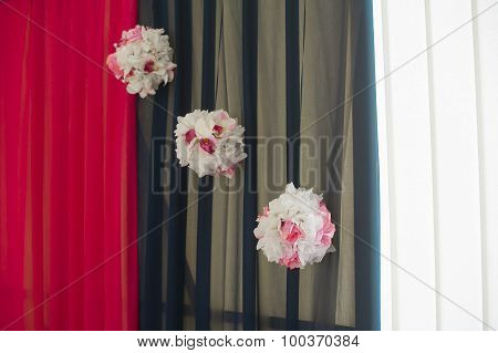 Hall Decoration Three Pompoms Of Flowers