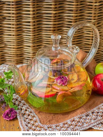 Herbal tea with apple, mint, oregano and thyme
