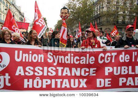 Retirement Strike In Paris