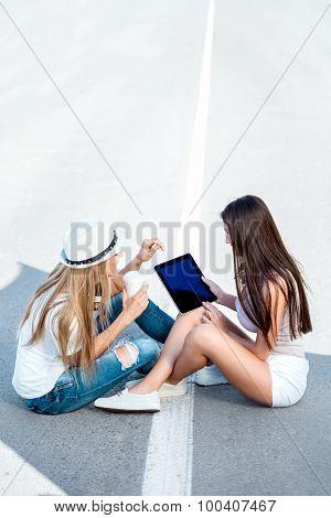 Sharing Tablet.