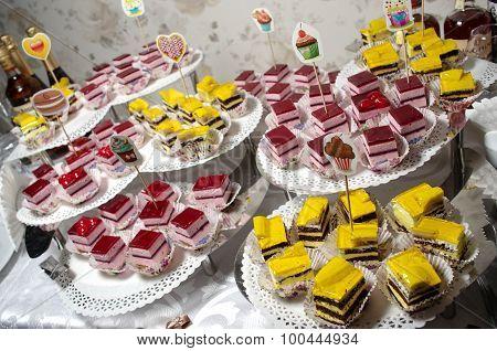 Vintage cupcakes weding