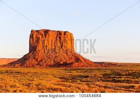 Mitchell Butte in Monument Valley