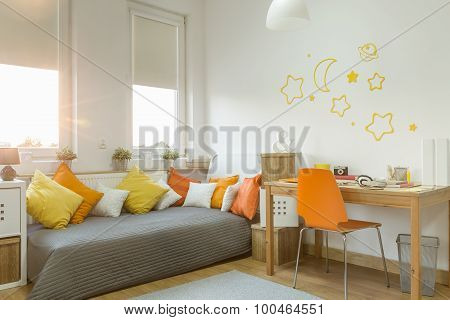 Color Details In Girl's Room