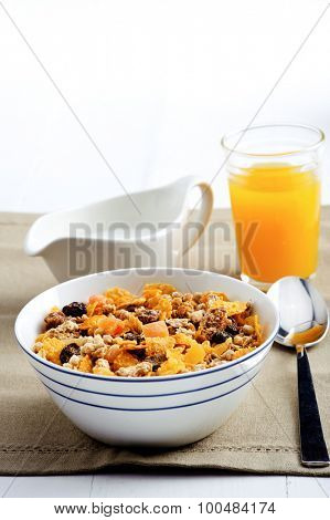 Diet friendly granola with milk and oj