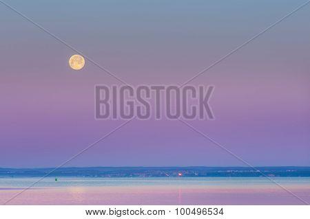 Wane Over Sea. Moon Over Bay.