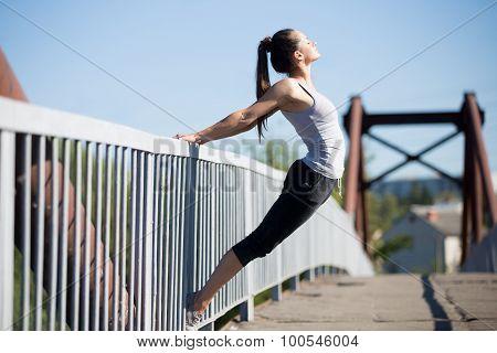 Street Yoga: Warming Up Exercises
