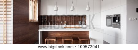 Kitchen Island In Wood Kitchen