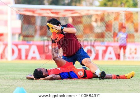 Sisaket Thailand-april 4: Physical Therapists Of Sisaket Fc. In Action During Thai Premier League Be