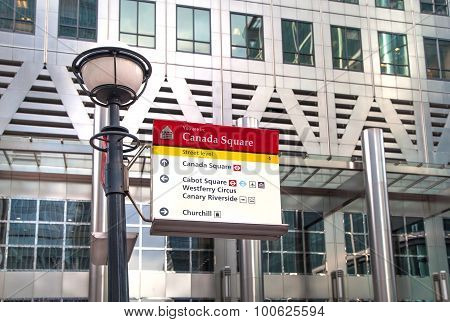LONDON, CANARY WHARF UK - MARCH 2, 2015: Modern architecture of Canary Wharf business aria and lante