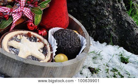 Mince pie and rum truffle with decorations